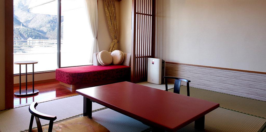 寛ぎのフロアー(和洋室)(冬写真)イメージ