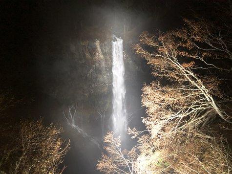 華厳の滝 ライトアップ