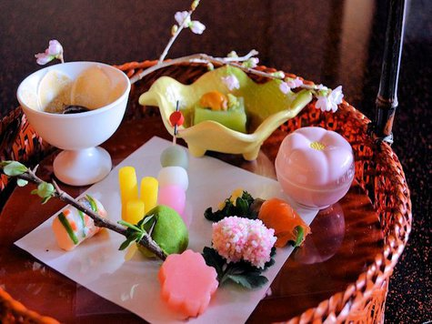 【1月スペシャル土曜日】◆新年を寿んで:1月の土曜日だけの特別プラン。お得な特別料金で!温泉と会席料理をシンプルに楽しむ♪