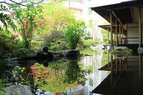 庭園 水面